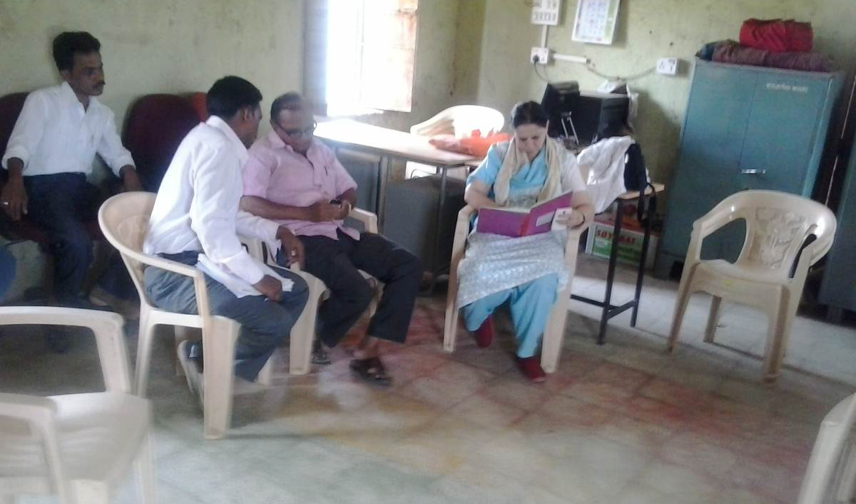 Team leader vaishali Khadlilar visit Jalgaon Dist  WC committee.jpg